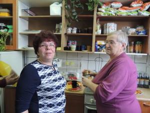 Marysia szefowa warsztatów kulinarnych i Ania szefowa ter. zajęciowej